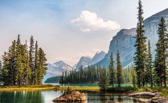Spirit Lake in Jasper National Park, Alberta