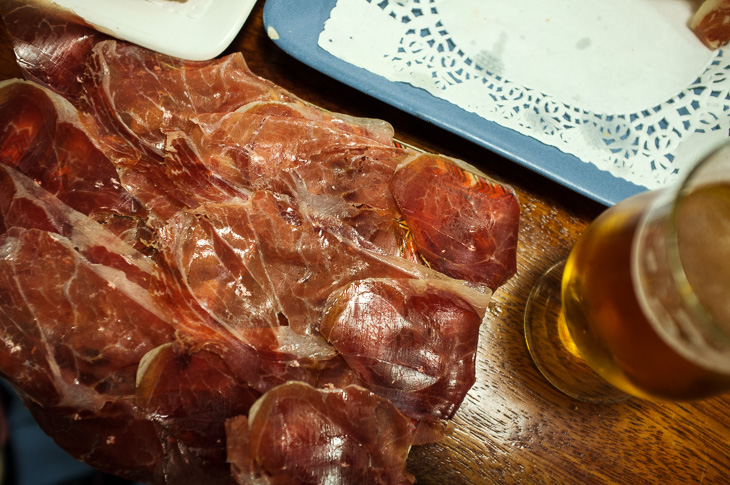 Passagem Gastronômica - La Cepa - Ham de Bellota - Pintxos Bar em San Sebastian
