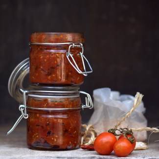 Recipe: Spicy Vine Tomato Relish