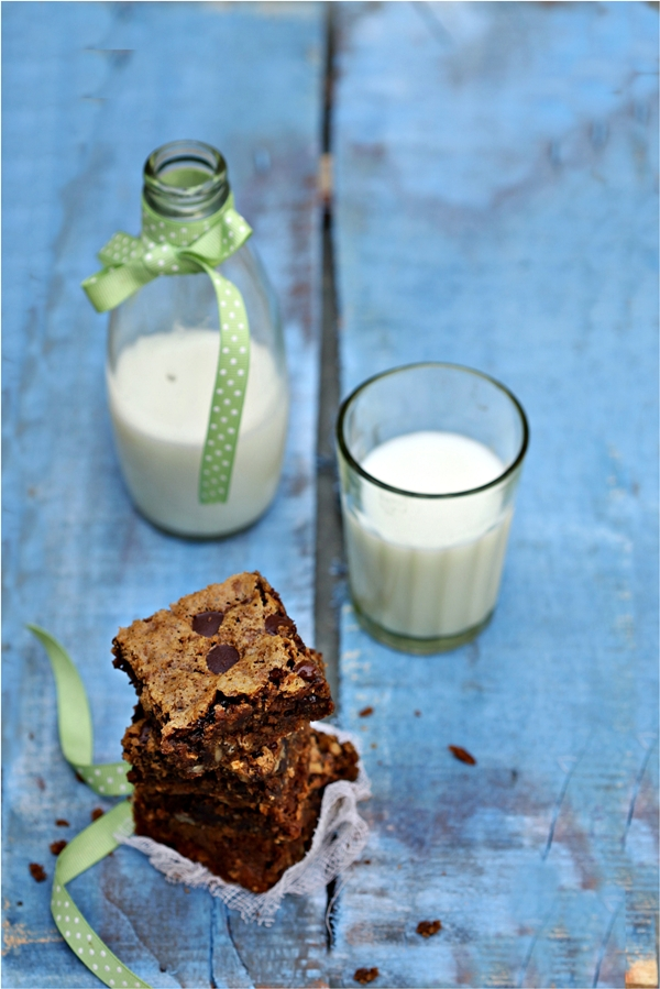 Chocolate Oat Walnut Brownies