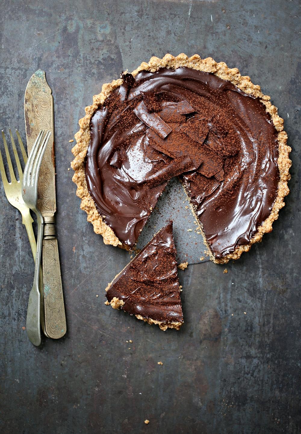 Dark Chocolate Walnut Oat Tart