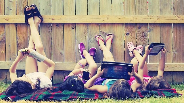 foto_bambini_smartphone