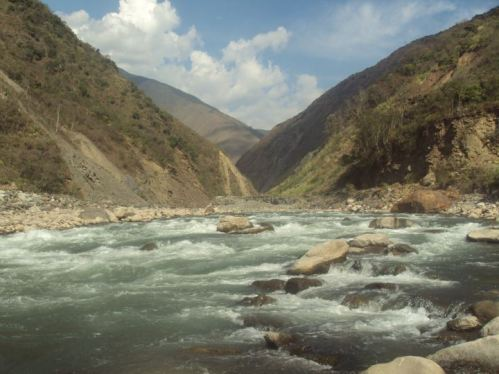 Crossing through the Urubamba River Valley