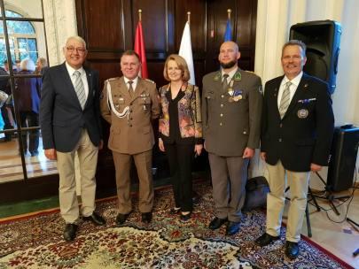 GrößenänderungVÖP Abordnung Delegation mit Botschafterin, Attache und Hptm. Hauk
