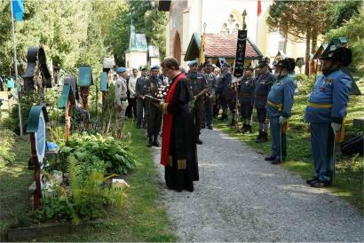 Größenänderungi-weihe-des-gedenkkreuz-d-uno-soldaten-amtummelplatz-innsbruck---11092020-75_50335011481_o