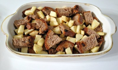 Cinnamon and Apples Baked French Toast