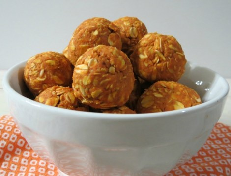 Peanut Butter Pumpkin Dog Balls