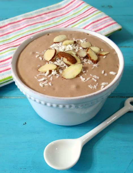 Almond Joy Breakfast Smoothie Bowl