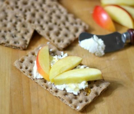 Apple, Goat Cheese Crispbread with honey #appetiteforlife