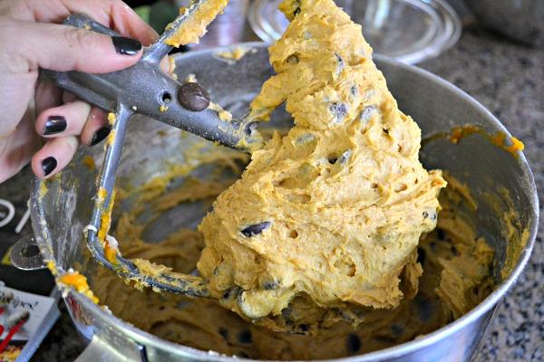 Soft & Cakey Pumpkin Chocolate Chip Bar Batter