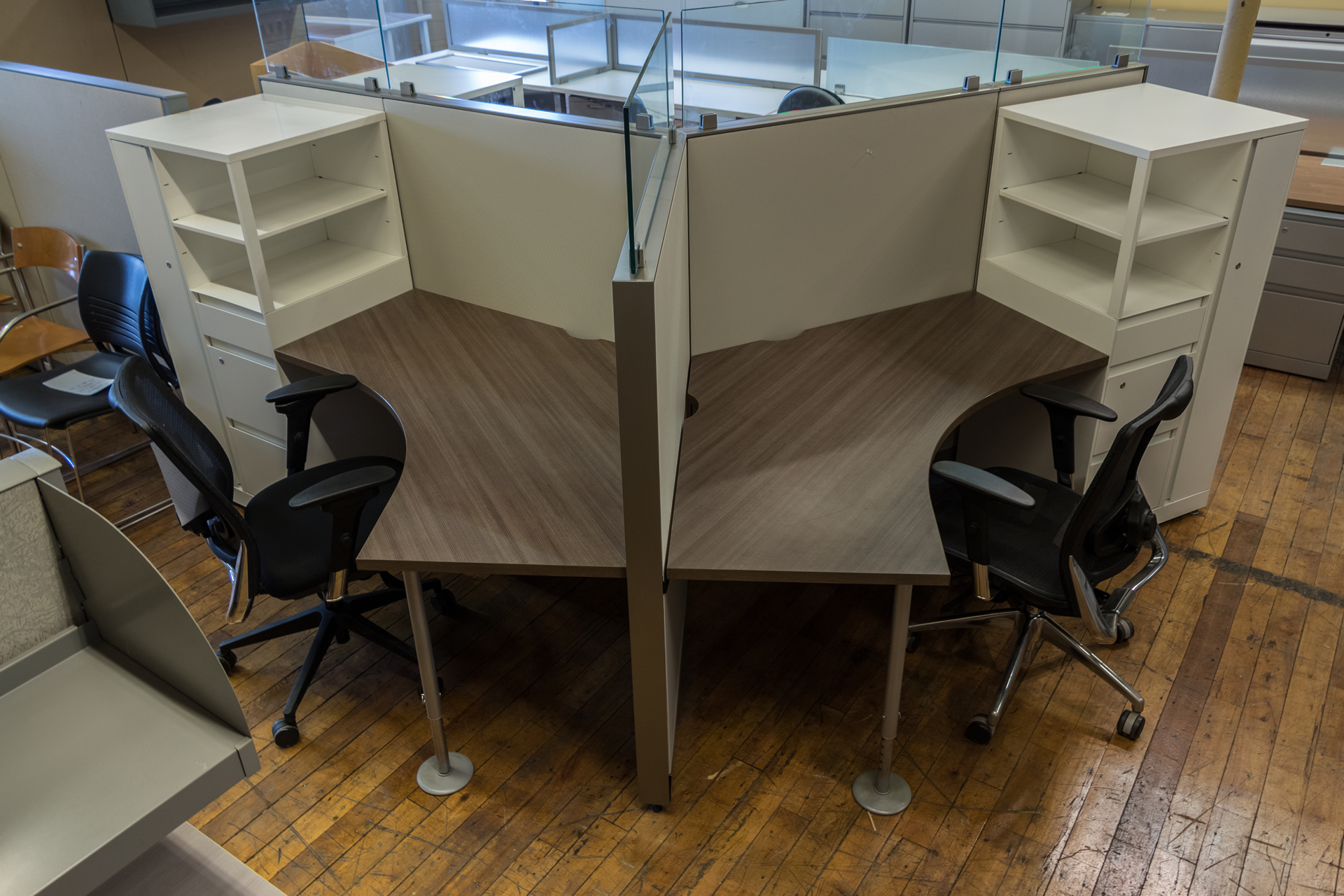 Steelcase Answer 3-Pod Workstations