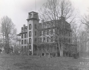 Woodlawn Hotel/Chestnut Lodge. Photograph by Philip Reed.