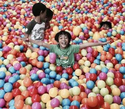 Fun Ranch Big Ball Pit Party