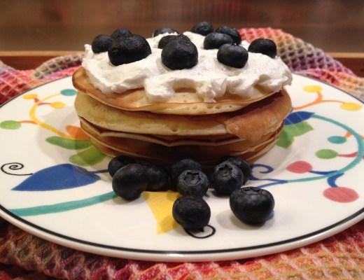pancake panna e mirtilli