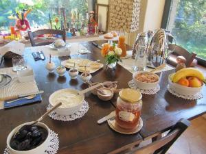 the-breakfast-table ilune