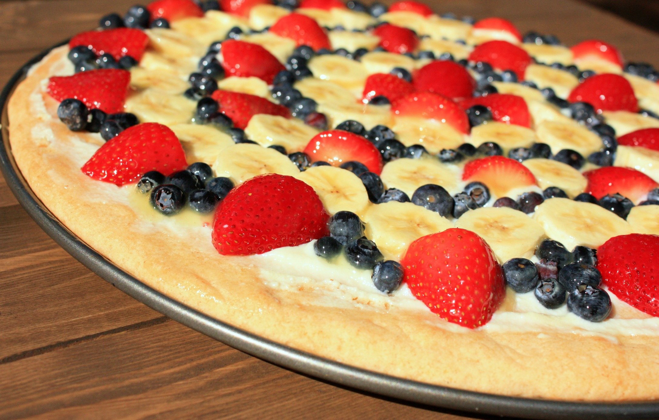 Jenn's Famous Fruit Pizza | Peppers and Peaches