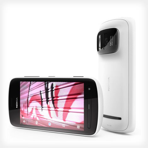 Nokia Unleashes a Game Changing 41 Megapixel PureView Camera Phone nokiapureview mini