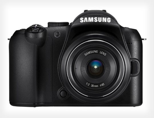 Samsung Moving Away From Compact Cameras to Focus on Mirrorless samsung mini