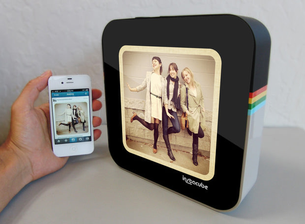 Instacube is a Fancy Digital Picture Frame for Sharing Instagram Photos instacube1 mini