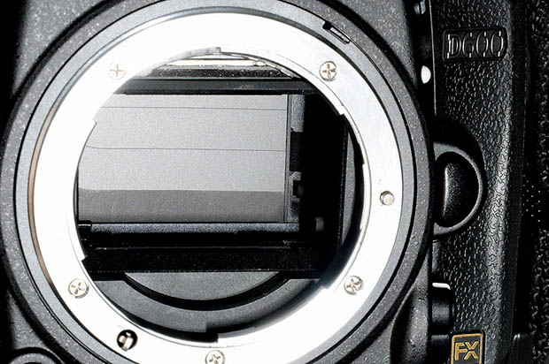 Theory: Nikon D600 Sensor Dust Problem Caused by Scratches in the Mirror Box? nikond800dust