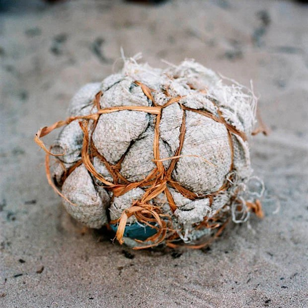 Photos of Makeshift Soccer Balls Used by Children in Africa soccerballs 3