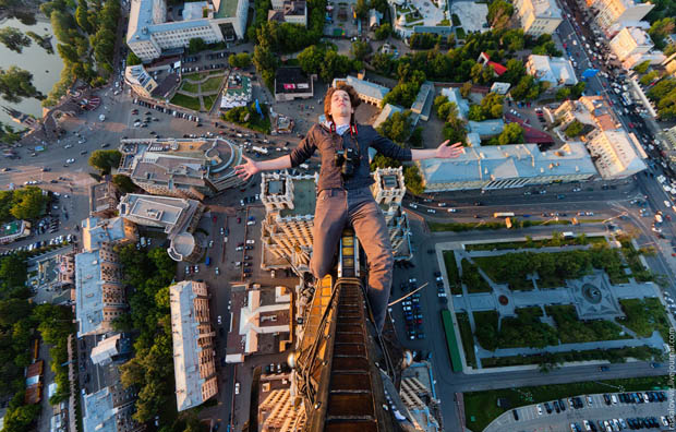 Vertigo Inducing Portraits by Skywalking Photographers in Russia skywalking 9