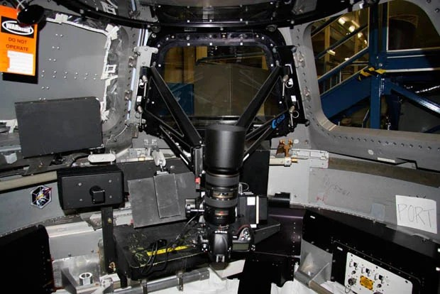 Astronauts on the ISS Use a NightPod to Stabilize Their Low Light Photos nightpod1