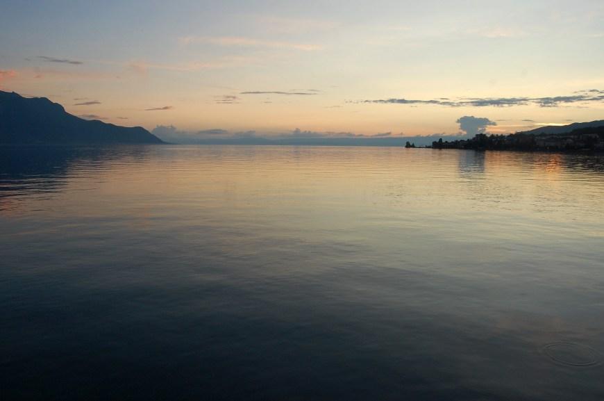 Sonnenuntergang am Lac Léman (Bild: Peter Walt).