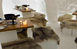 Das grösste Iglu-Restaurant Europas auf der Engstligenalp bei Adelboden.