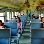 Die  Holzklasse zwischen Bangkok und Pattaya ist erstaunlich komfortabel.