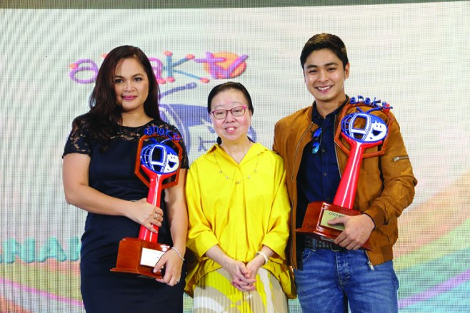 makabata-hall-of-famer-judy-ann-santos-and-coco-martin-with-anaktv-president-elvira-yap-go