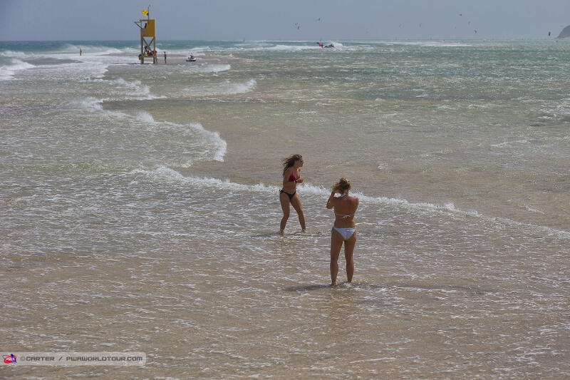 Windy and high tide on Sotavento Beach