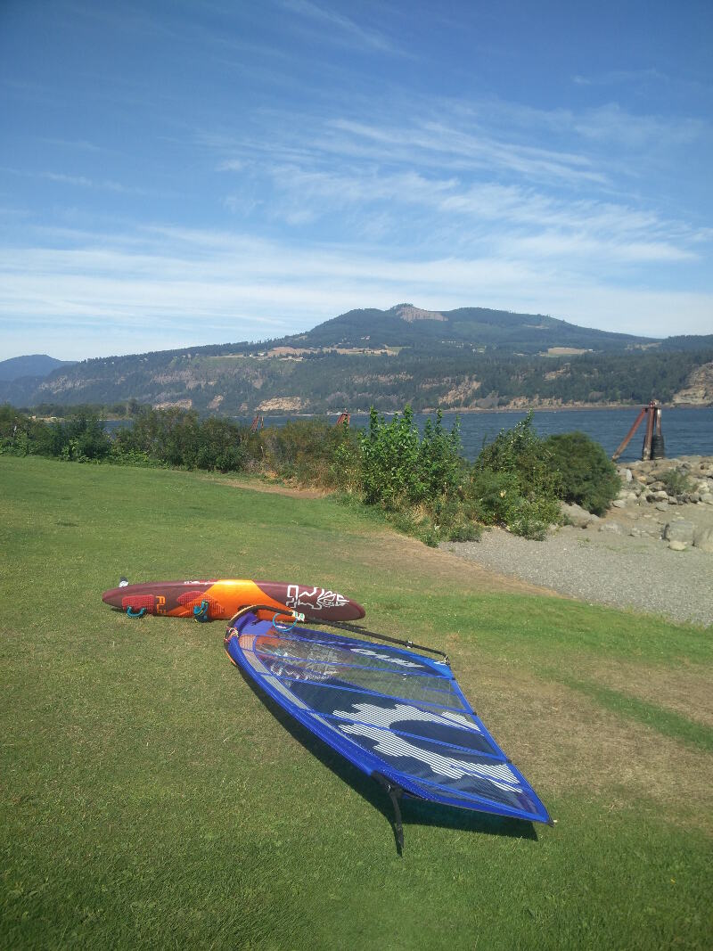 Morning testing of a 2018 Sailworks Revolution 4.7 at the Hood River Event Site