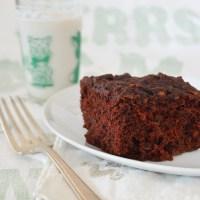 chocolate zucchini brownie cake muffins {vegan}