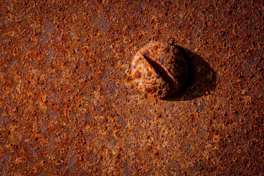 bolt-rust-macro-photography-idea