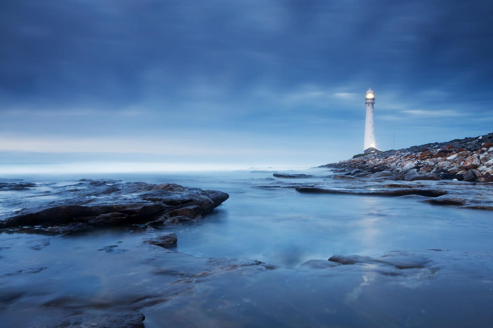 Aggiungi interesse alla tua fotografia di paesaggio scattando durante l'ora blu