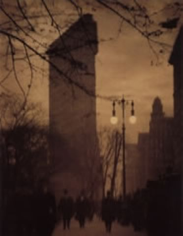 Alvin Langdon Coburn - The Flat Iron Building, Evening, 1911