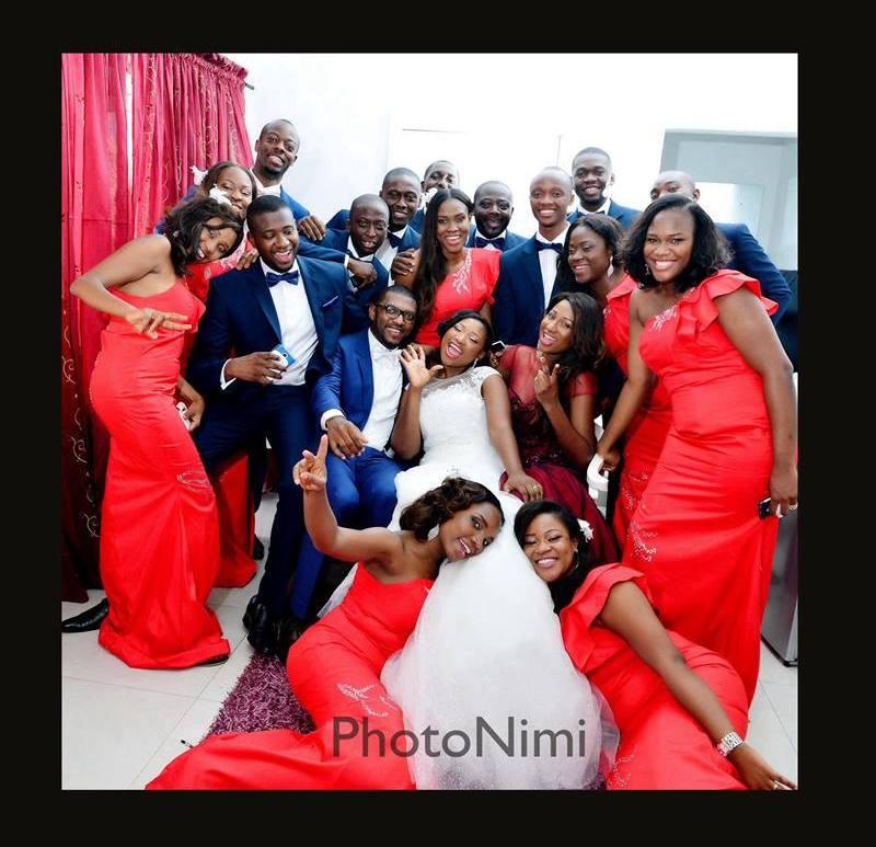 bride, groom, bridal train, groomsmen