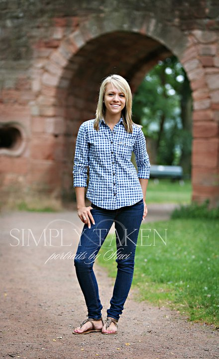 154820 466031788556 45254943556 5722669 4513808 n A taste of senior portraits from Germany
