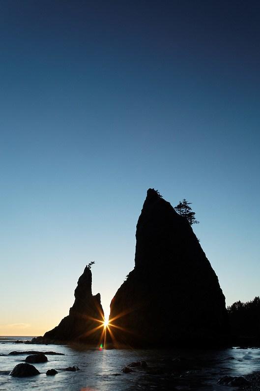 Sea stack at sunset, Rialto Beach, Olympic National Park, Washington State, USA (Copyright Brad Mitchell Photography.9601 Wall St.Snohomish, WA 98296.USA.425-418-7279.brad@bradmitchellphoto.com)
