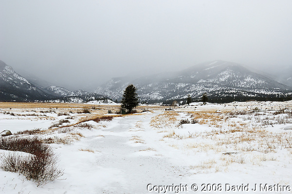Winter in Rocky Mountain NP. Image taken with a Nikon D2xs and 17-35 mm f/2.8 lens (ISO 100, 25 mm, f/9, 1/125 sec) (David J. Mathre)