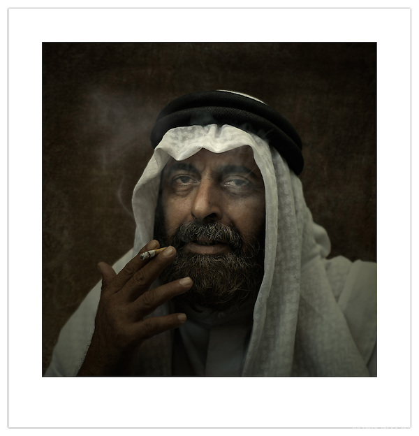 Street Portrait - Bahrain (©2012 Ian Mylam)