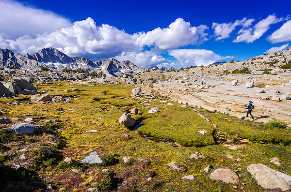 Hiker on the Bishop Pass trail in Dusy Basin, Kings Canyon National Park, California USA (© Russ Bishop/www.russbishop.com)