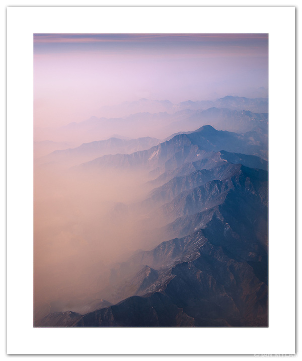 Airborne out of Beijing ( © Ian Mylam)