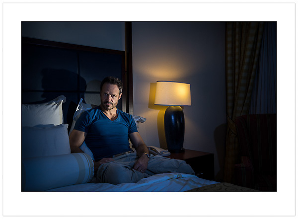 Self=portrait in a hotel room, Houston, Texas (Ian Mylam/© Ian Mylam (www.ianmylam.com))