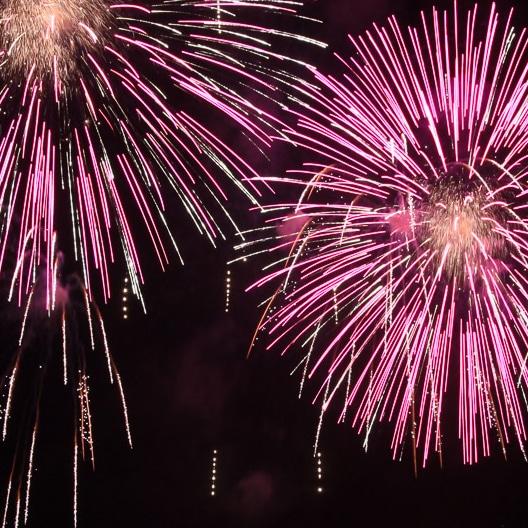 http://www.phototrainer.com/fireworks-photography-fandango