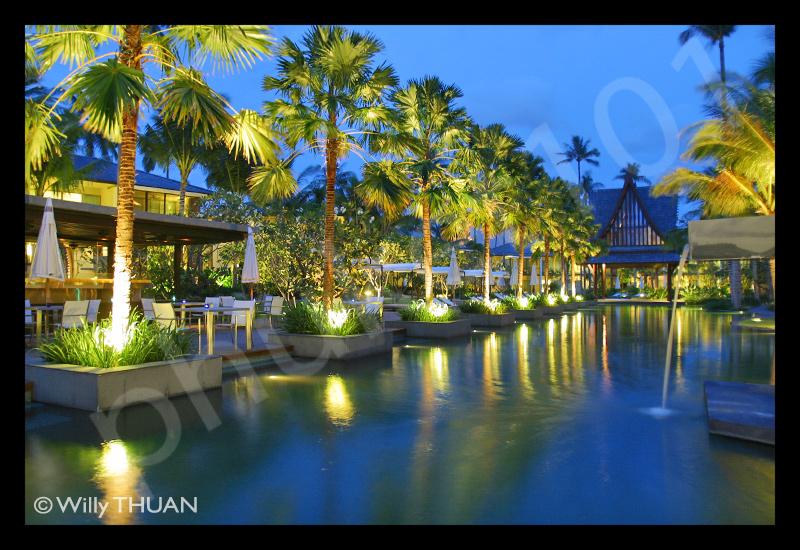 twinpalms-swimming-pool