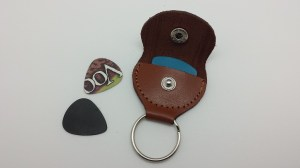 leather-guitar-pick-holder-key-chain-9