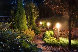 http://i2.wp.com/www.pierceelectric.co.uk/wp-content/uploads/2015/05/garden-lighting-wpcf_298x200.jpg?w=604