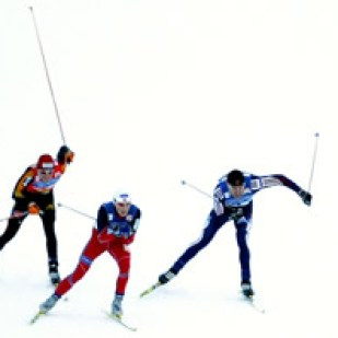 Final sprint of a men's 4 x 10km double cross-country relay race at the Cross Country skiing World Cup in Lago di Tesero, northern Italy, December 12, 2004.